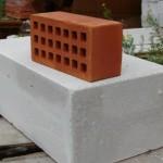 Что выбрать: кирпич или газобетонные блоки?