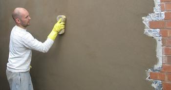Штукатурим кирпичную стену`