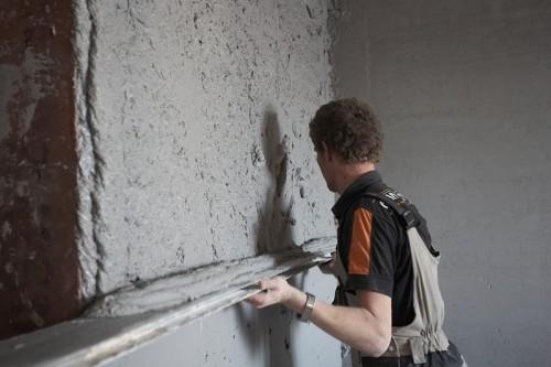 как штукатурить кирпичные стены